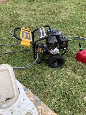 4200 PSI DEWALT PRESSURE WASHER for Sale in Miami, FL