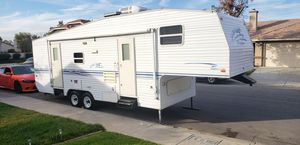 2001 prowler 5th wheel by fleetwood for Sale in Fontana, CA