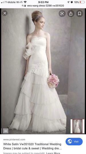Strapless Vera wang wedding dress for Sale in Salt Lake City, UT