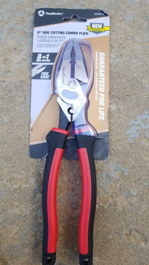 "southwire 9"" side cutting combo plier for Sale in Vista, CA"