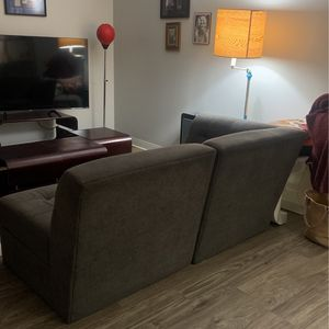 Compact Sectional In good Condition for Sale in Alameda, CA