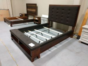 Queen bed frame for Sale in Kennewick, WA