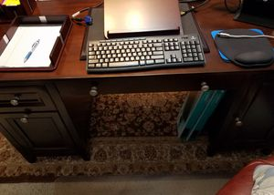 Office Furniture: 3 Pieces for Sale in DeSoto, TX