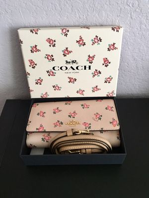 Coach Phone Wallet Crossbody for Sale in Irving, TX