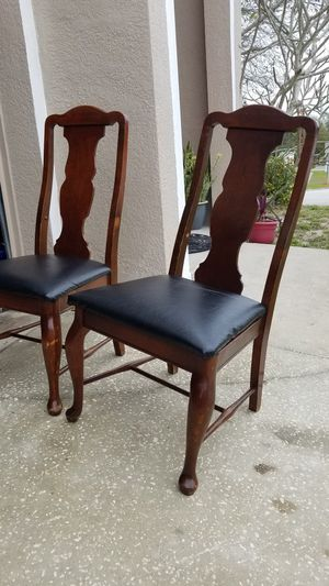 2 chairs for Sale in Cypress Gardens, FL
