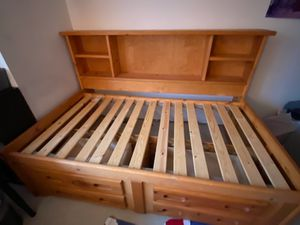 Space saving twin bed for Sale in Duvall, WA