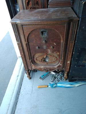 Antique Record Player n Clock for Sale in San Diego, CA