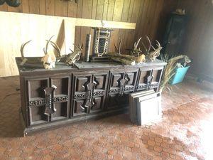 Vintage record player/radio console for Sale in Jonesboro, AR