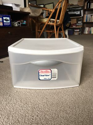 Sterlite storage drawer container - 29 qt for Sale in Los Angeles, CA