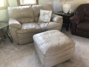 TOP NOTCH leather loveseat and ottoman for Sale in Woodway, WA