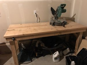 Miter saw and wood table for Sale in Thornton, CO