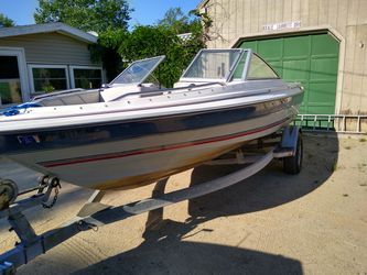 1990 bayliner classic for Sale in Rochester,  NH
