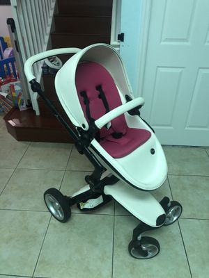 Mima Xari Stroller with Accessories (Matching Nuna Pipa Car seat with car bases also available) for Sale in Miami, FL