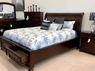 Flynnter Medium Brown Storage Platform Sleigh Bedroom Set (Queen and King Bed Frame for Sale in Austin,  TX