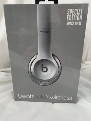 BRAND NEW Beats Solo2 Wireless Headphones - Special Edition for Sale in Etiwanda, CA