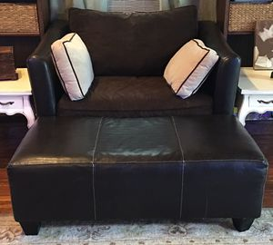 Brown large faux leather chair with ottoman. for Sale in Crownsville, MD
