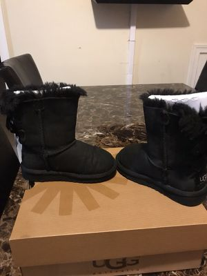 Toddler UGG's Size 9 (Black) for Sale in Richmond, VA