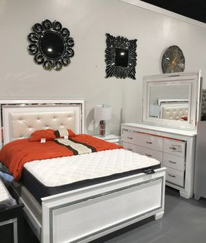 SALE!! BRAND NEW QUEEN BEDROOM SET!! TOUCH LIGHTS ON BED AND MIRROR!!! for Sale in TEMPLE TERR, FL