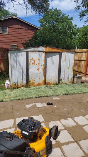 Free Metal shed for Sale in Hazel Crest, IL