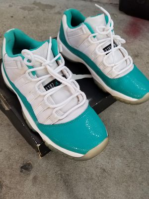 Jordans size 5Y for Sale in Los Angeles, CA