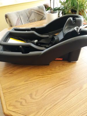 Graco click car seat base for a second vehicle for Sale in Las Vegas, NV