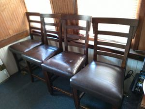 dining room set, not new, freee for Sale in Columbia, PA