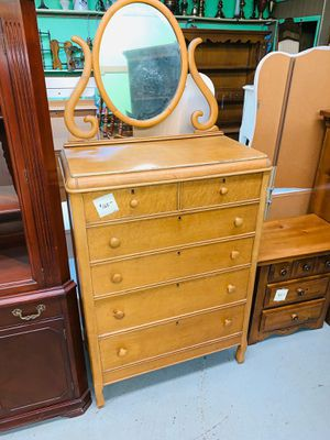 #A460 - 6 Drawer Dresser & Mirror for Sale in Marion, OH