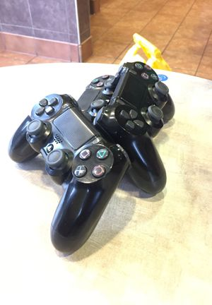 Three PS4 Controllers for Sale in Atlanta, GA