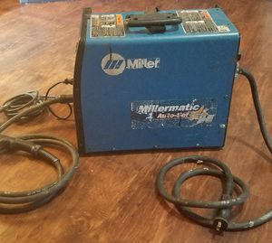 Miller Millermatic 211 Auto-Set Mig Welder with MVP (907422) missing side cover for Sale in Dallas, TX