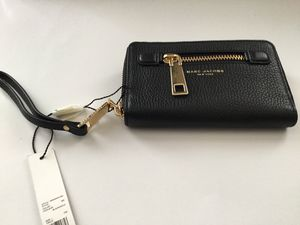 Marc jacobs Black Leather Wallet ZIP Around for Sale in San Francisco, CA
