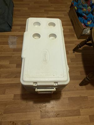 Large Cooler with cup holders for Sale in Vancouver, WA