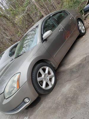2005 Nissan Maxima...runs good..hand title for Sale in Asheboro, NC