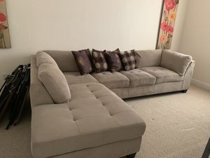 Grey Couch for Sale in Boynton Beach, FL