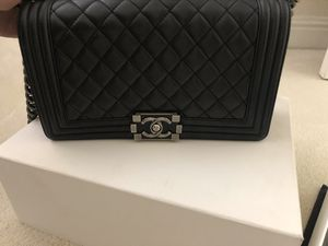 Chanel boy bag 100% authentic for Sale in Union City, CA