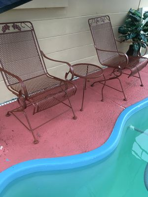 2 Iron chairs with small table, in perfect condition, nothing wrong, New paint. for Sale in Port Richey, FL