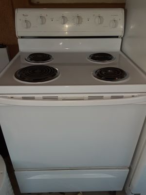WHIRLPOOL ELECTRIC STOVE for Sale in Las Vegas, NV