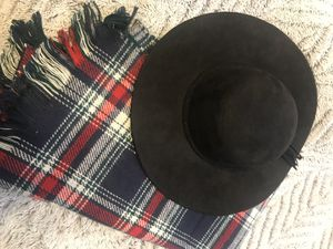 Black hat with scarf for Sale in Sanger, CA