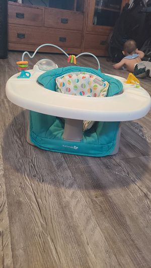 Summer infant booster seat for Sale in Phoenix, AZ
