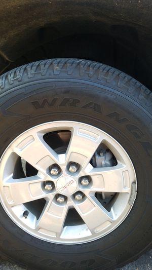 GMC Canyon / chevy Colorado wheels for Sale in Altadena, CA
