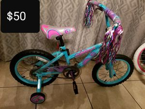 16in Dynacraft twilight bike with training wheels for Sale in Phoenix, AZ