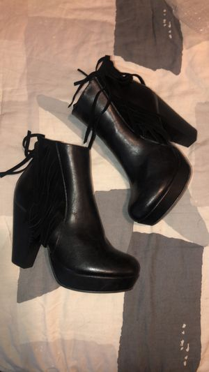 Booties with Fringe Size 8 for Sale in Oakley, CA