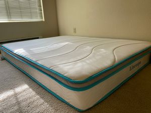 Queen matress & tv stand for Sale in Mill Creek, WA