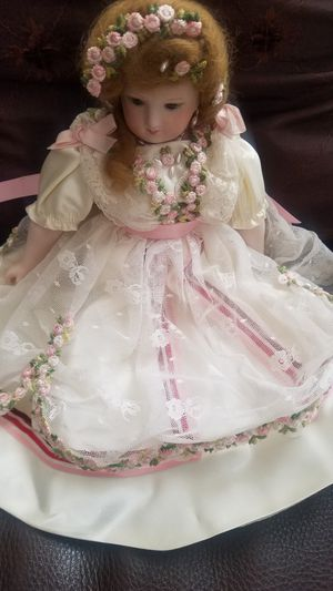 ANTIQUE doll for Sale in Wildomar, CA