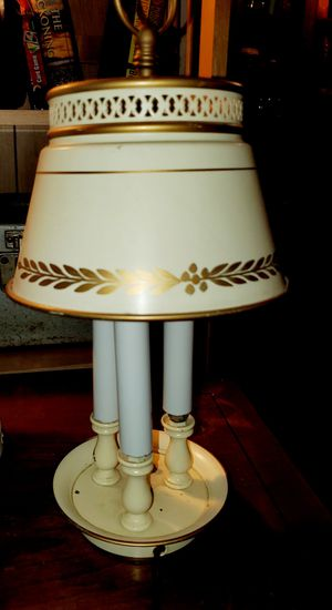 Antique Off-White 3 Light Metal Lamp for Sale in Middletown, OH