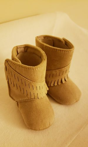 New baby girl moccasin boots 0-3 months for Sale in Jersey City, NJ