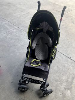 Babies R Us Stroller With Canopy & Neck Pillow for Sale in Lakeland,  FL