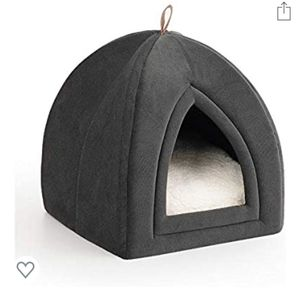 Brand-new!!! Pet Tent Cave Bed for Cats/Small Dogs - 15x15x15 inches 2-in-1 for Sale in Miami, FL