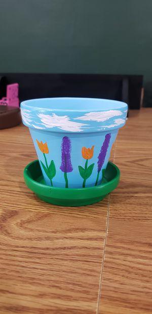 Flower pot for Sale in Center Line, MI