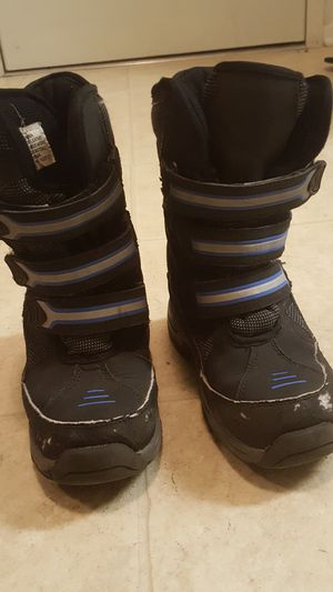 Snow boots, kids size 1 for Sale in San Diego, CA