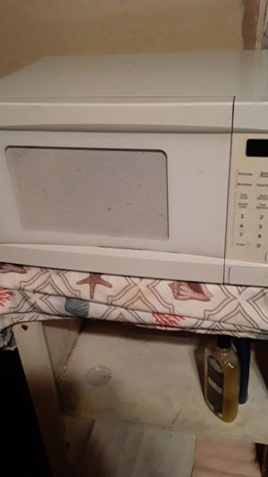 Microwave for Sale in Mercedes, TX